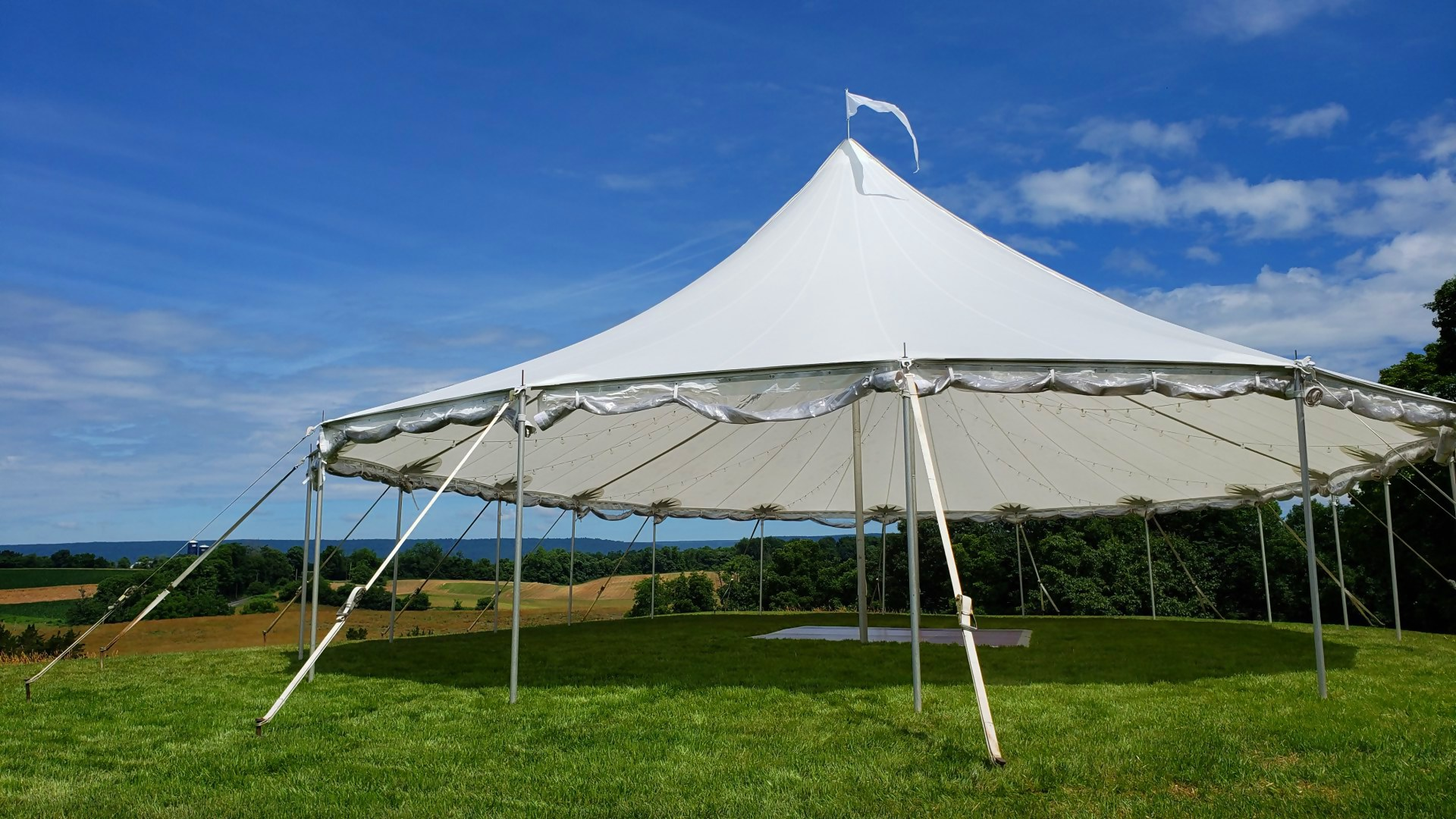 Beautiful sailcloth tent for rent in Gettysburg, PA