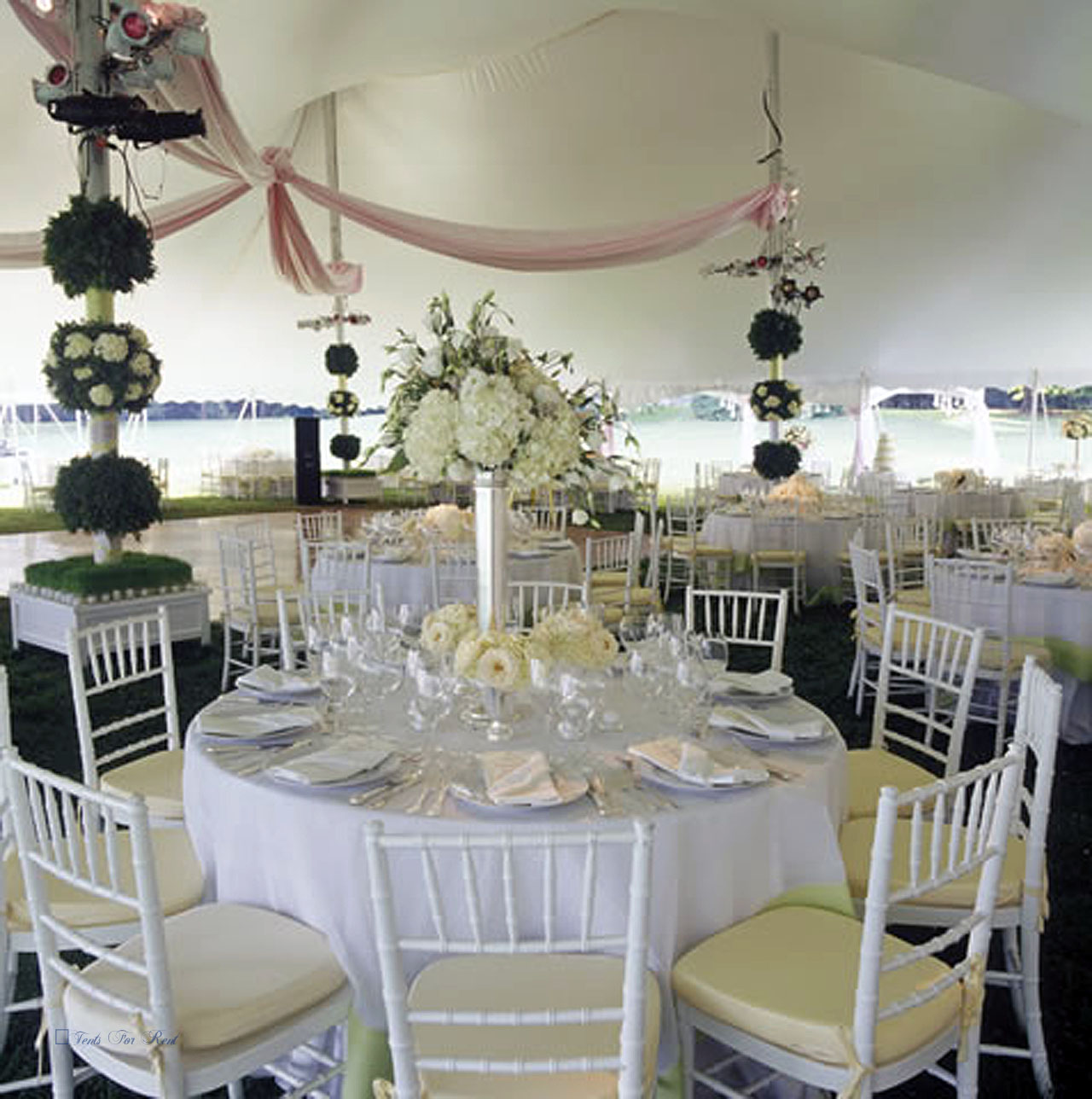 Linens and chairs for rent in Camp Hill, PA