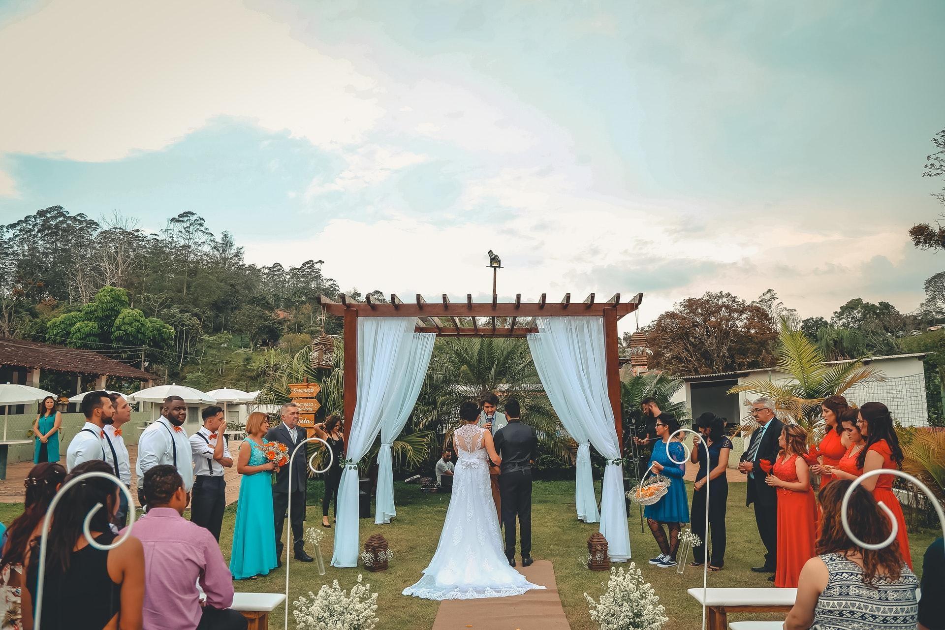 Outdoor wedding ceremony.jpg