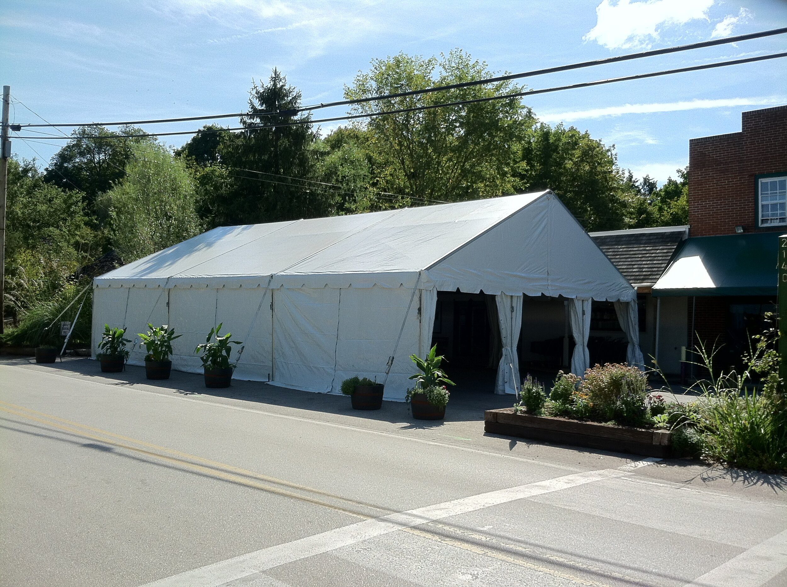 Temporary store tent