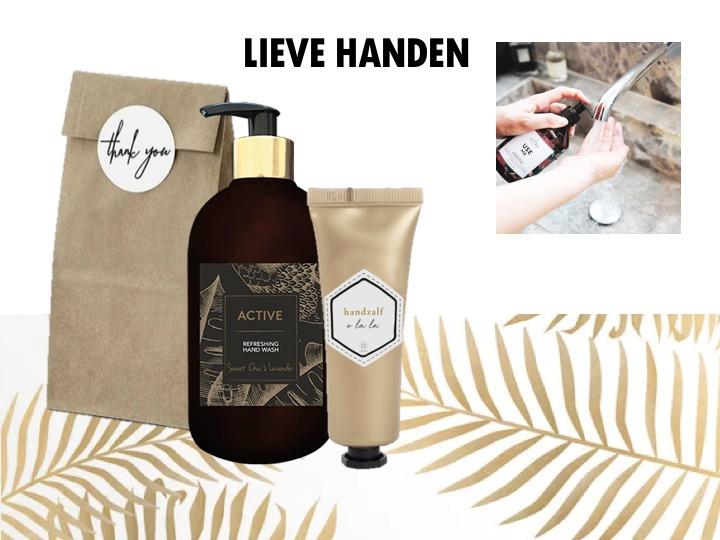 Heerlijk care setje om die lieve handen te verwennen. Een prachtige fles handzeep (500ML) en een mooit gouden tube handcreme van het merk Zusss. Samen verpakt in een cadeautasje of verpakking naar keuze.