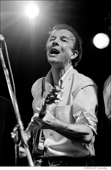 Pete Seeger, Newport Folk Festival, Newport, Rhode Island, 1968. Photo By ©Elliott Landy, LandyVision Inc.