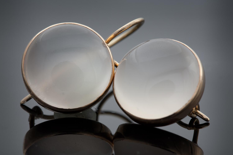 Earrings-Moonstone-White-2.jpg