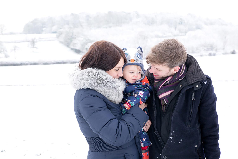 baby-photography-hemel-hempstead-family-snow
