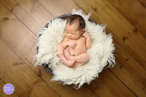 Newborn Photographer St Albans - fur, bowl