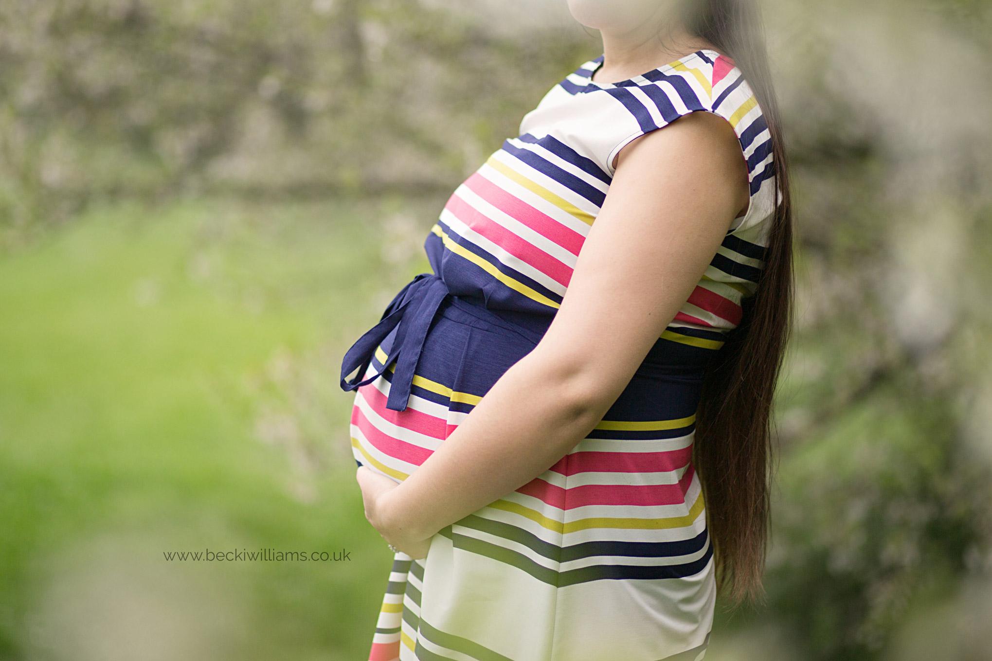Spring-Maternity-Photo-Shoot-Hemel-Hempstead