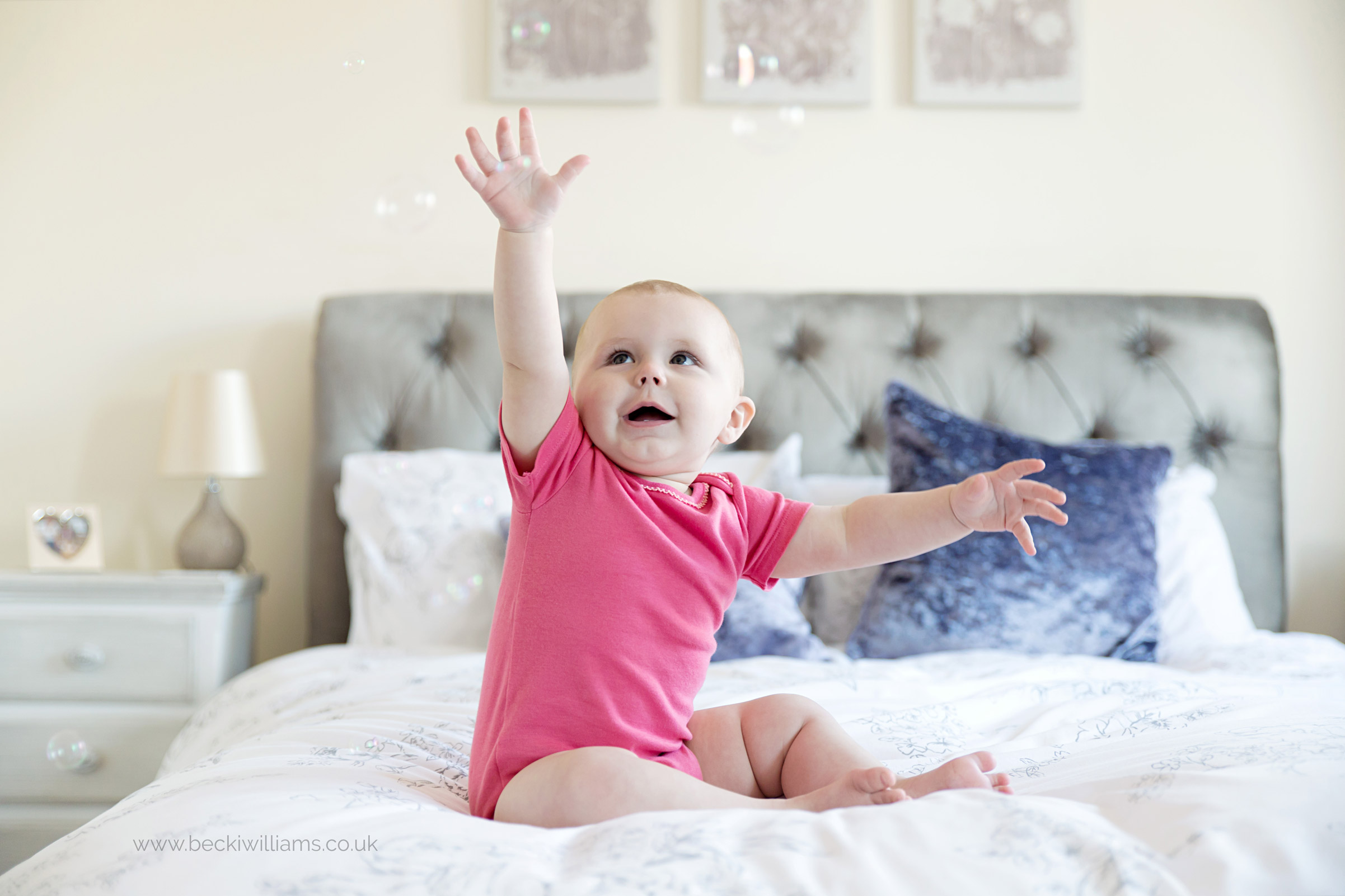 baby-photographer-hemel-hempstead-1-year-old-relaxed-at-home-bubbles