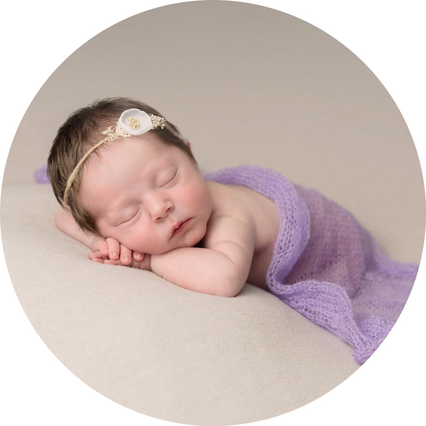 newborn-baby-photography-hemel-hempstead-Madison-circle.jpg