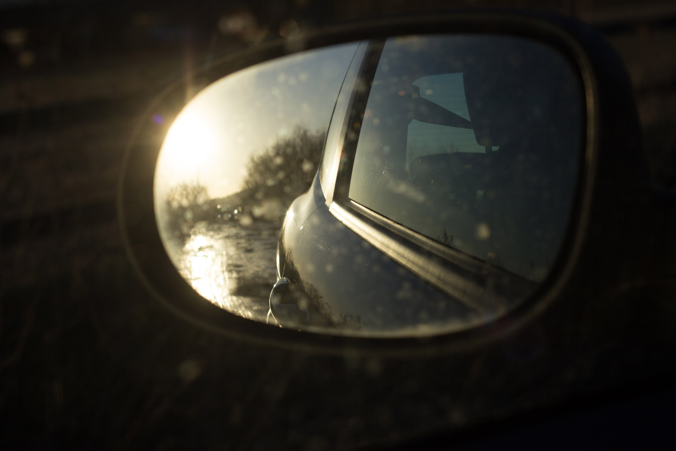 newborn-photography-hemel-hempstead-january-wing-mirror.jpg