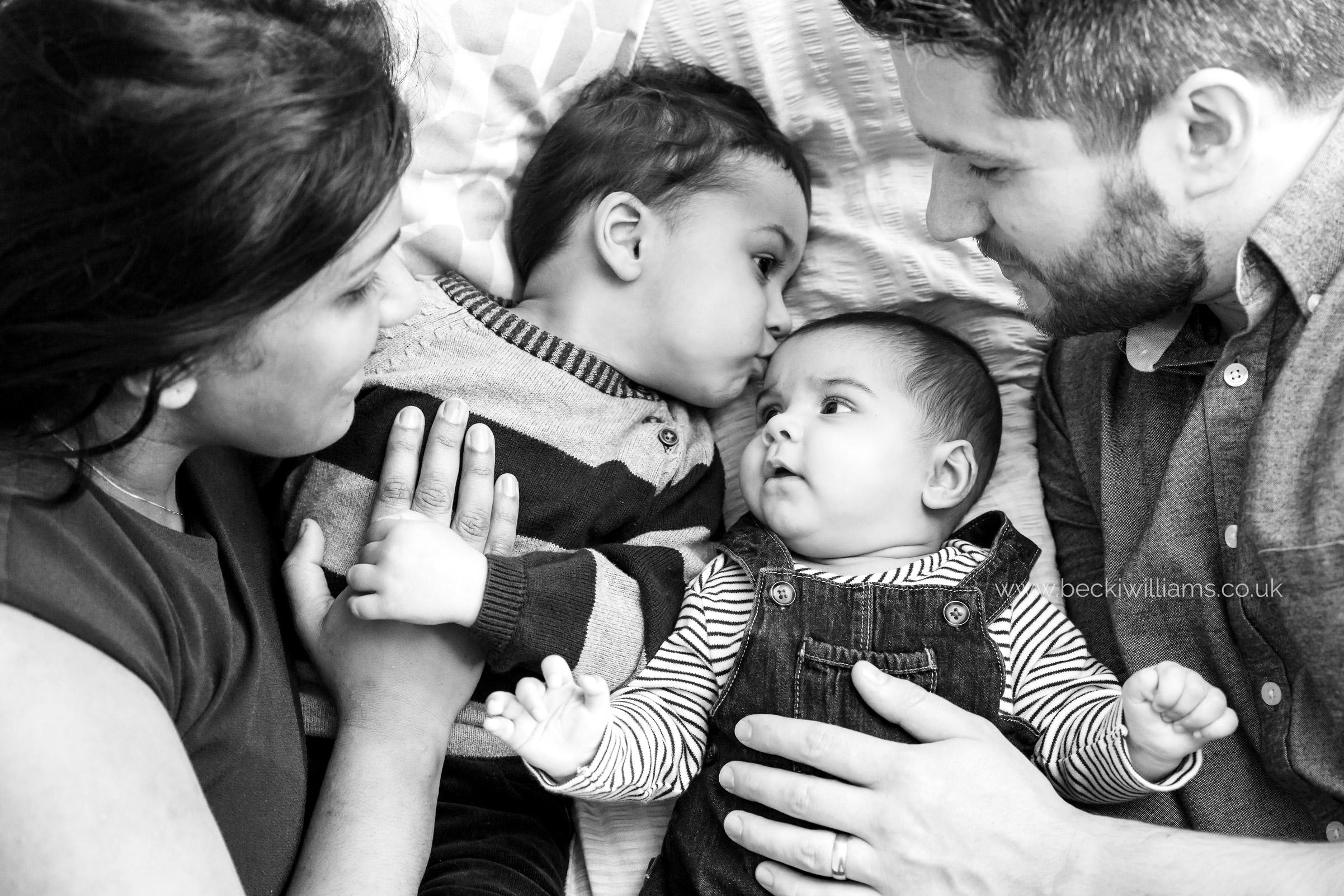 lifestyle-baby-photography-hemel-hempstead-family-relaxed
