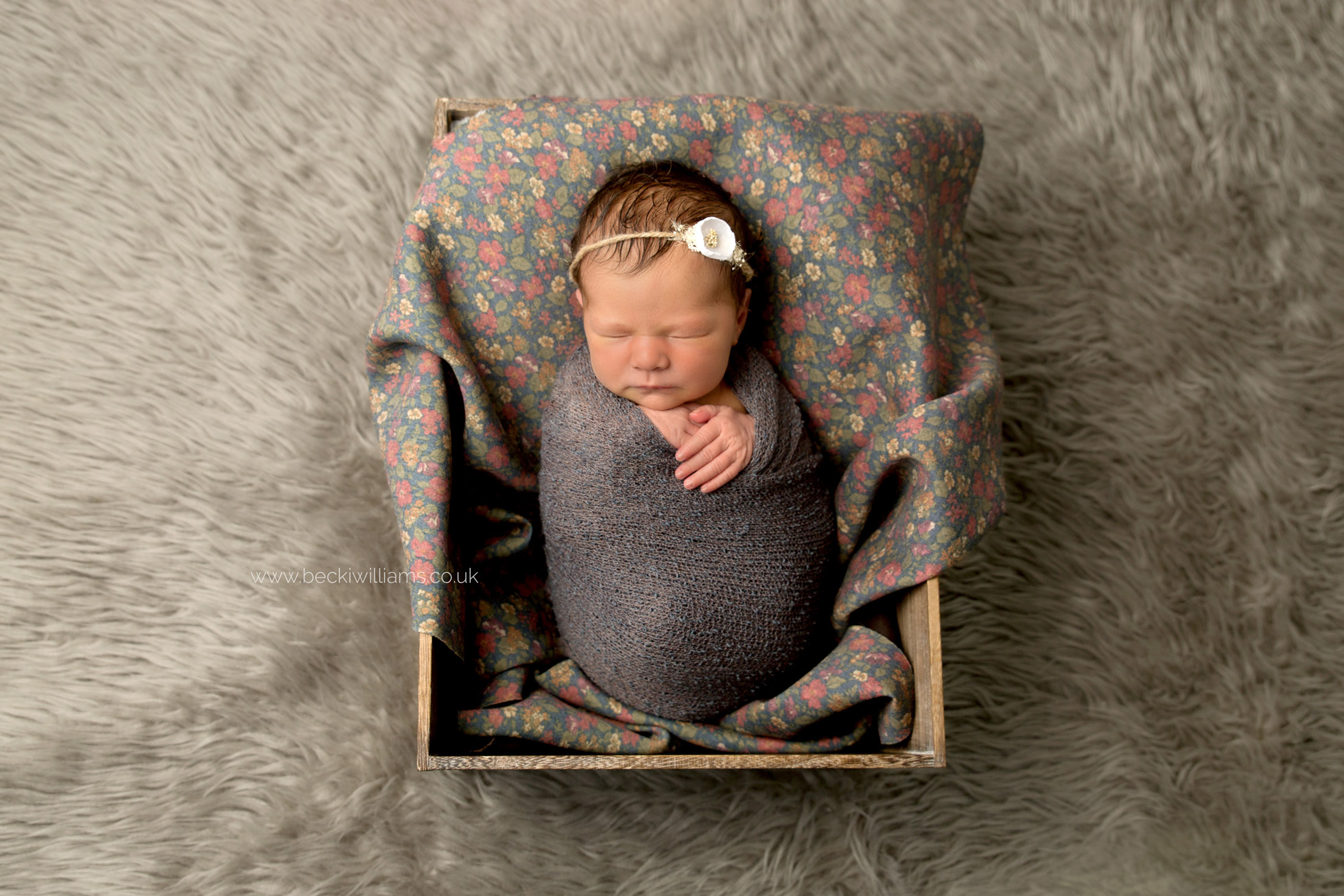newborn-photography-berkhamsted-crate-flowers.jpg
