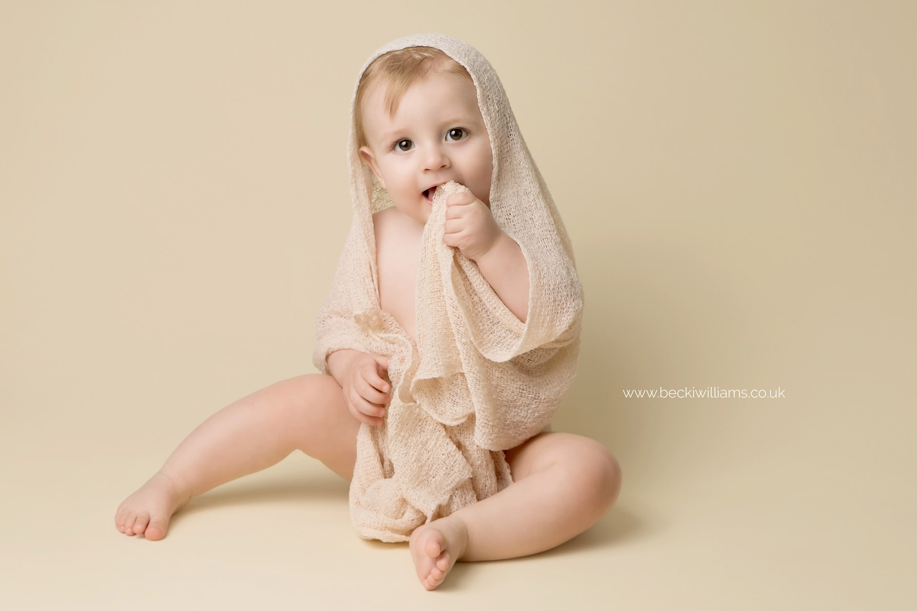 becki-williams-photography-hemel-hempstead-8-month-old-5.jpg