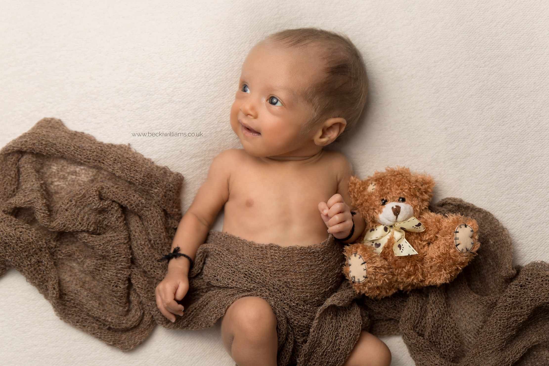 photographer-in-hemel-hempstead-newborn-baby-4.jpg