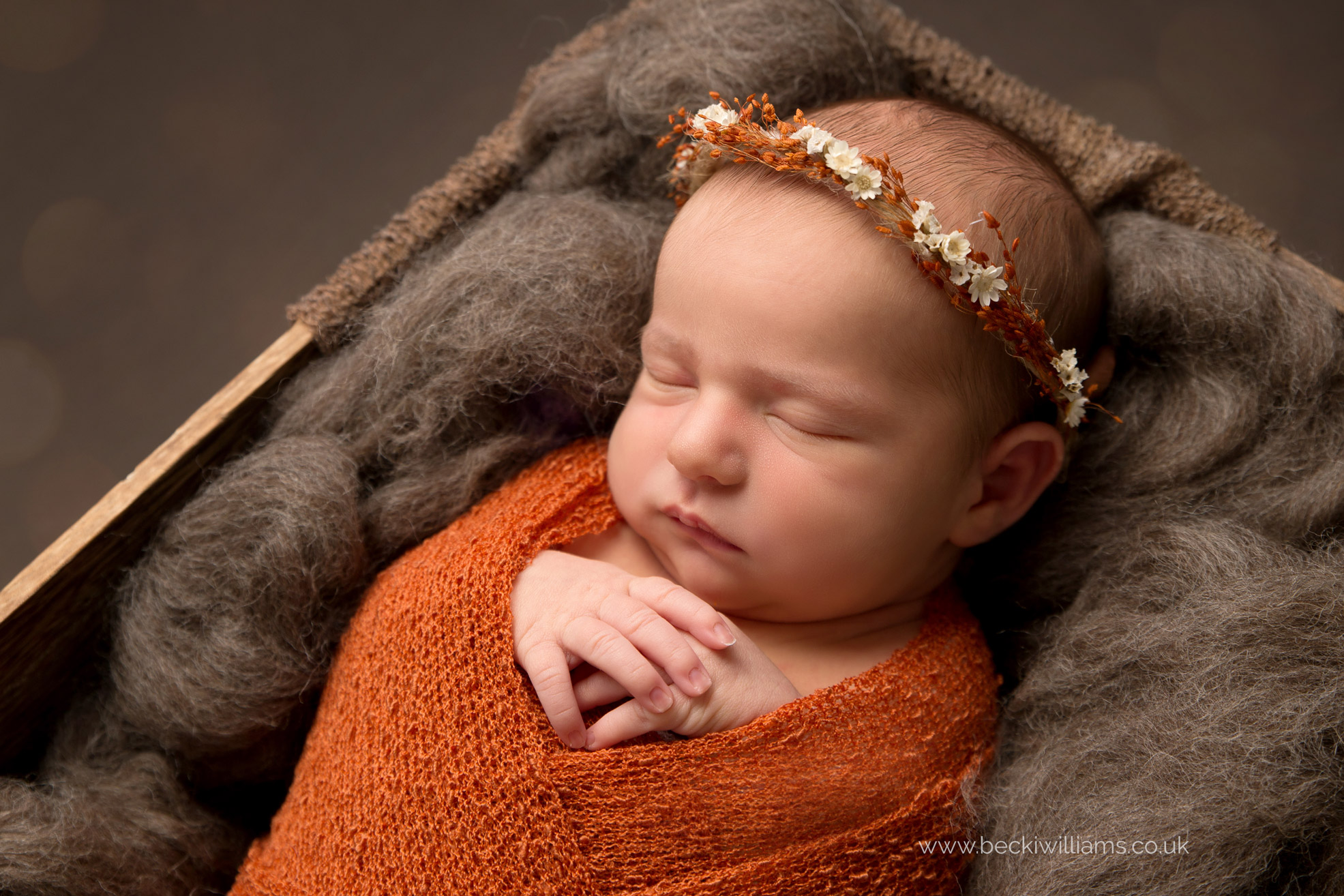 newborn-Hertfordshire-photograher-nature-brown-orange-autumn-asleep-cute.jpg
