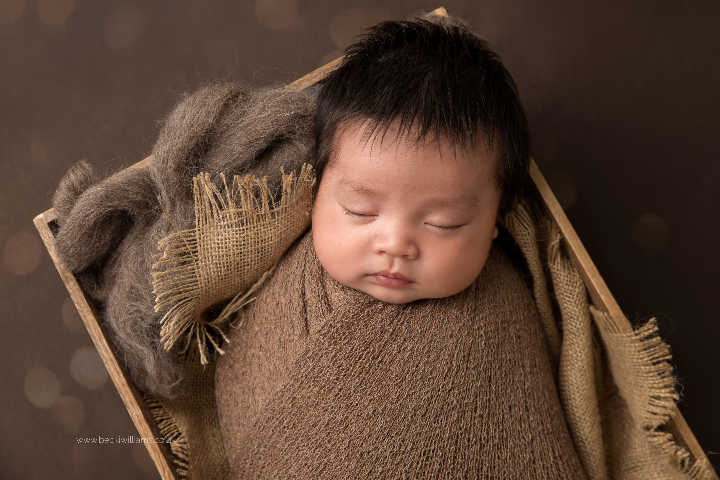 newborn-photography-in-hertfordshire-watford-cute-asleep-chinese.jpg