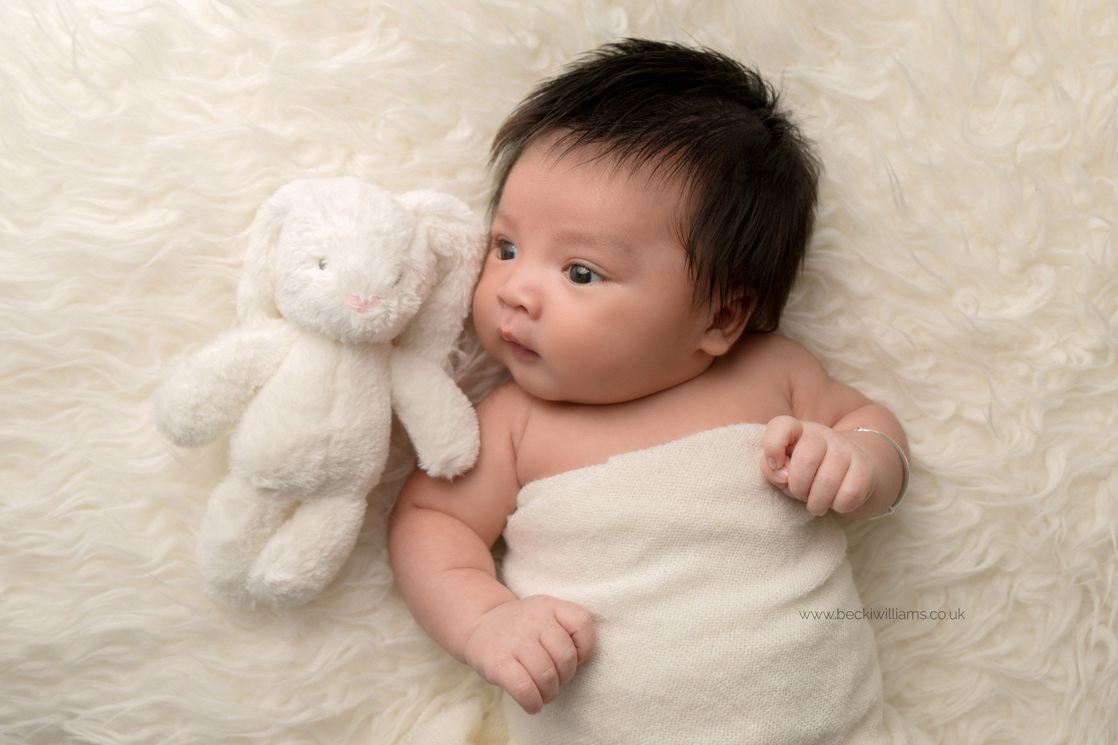 newborn-photography-in-hertfordshire-watford-studio-natural-awake-baby.jpg