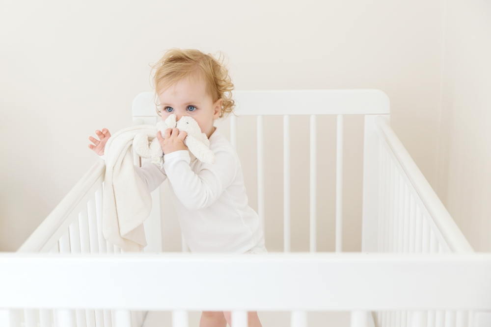 cute-baby-photos-hemel-hempstead-cot-natural.jpg