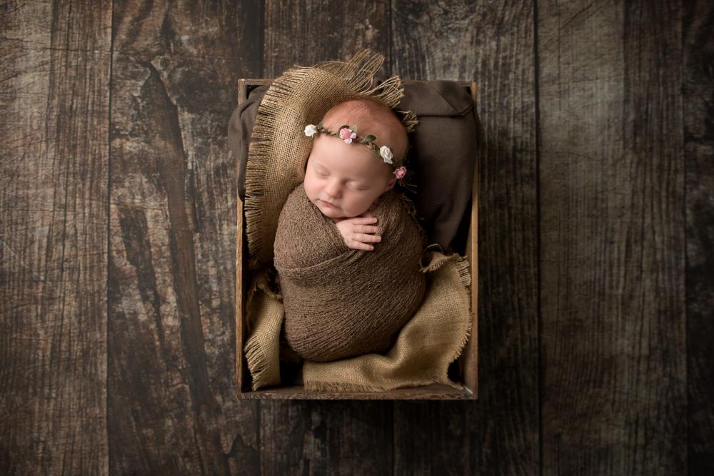 cute-baby-photos-hemel-hempstead-crate-headband-neutrals.jpg