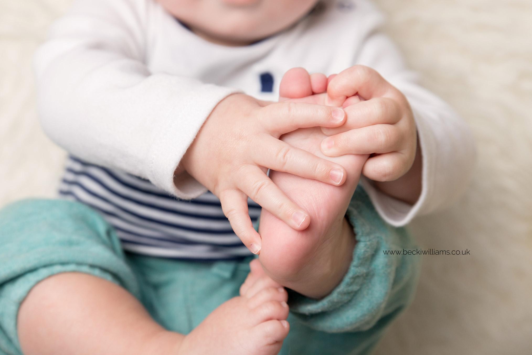 cute-baby-photos-hemel-hempstead-8-month-old-details-toes.jpg