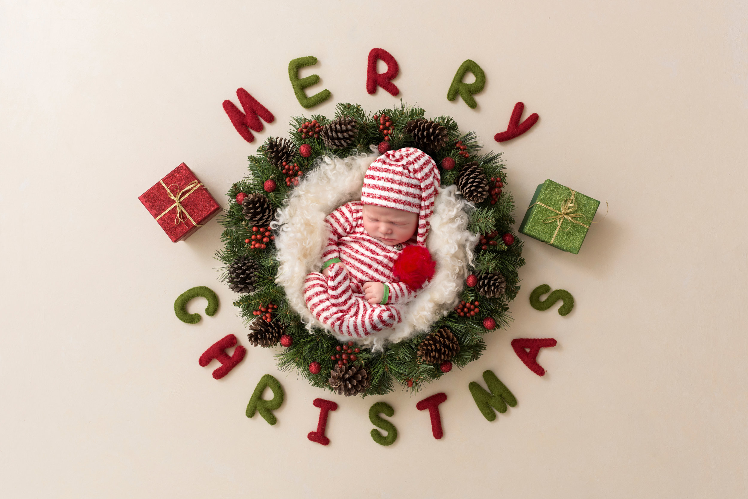 newborn-boy-portraits-hemel-hempstead-christmas-digital-background-merry-christmas.jpg