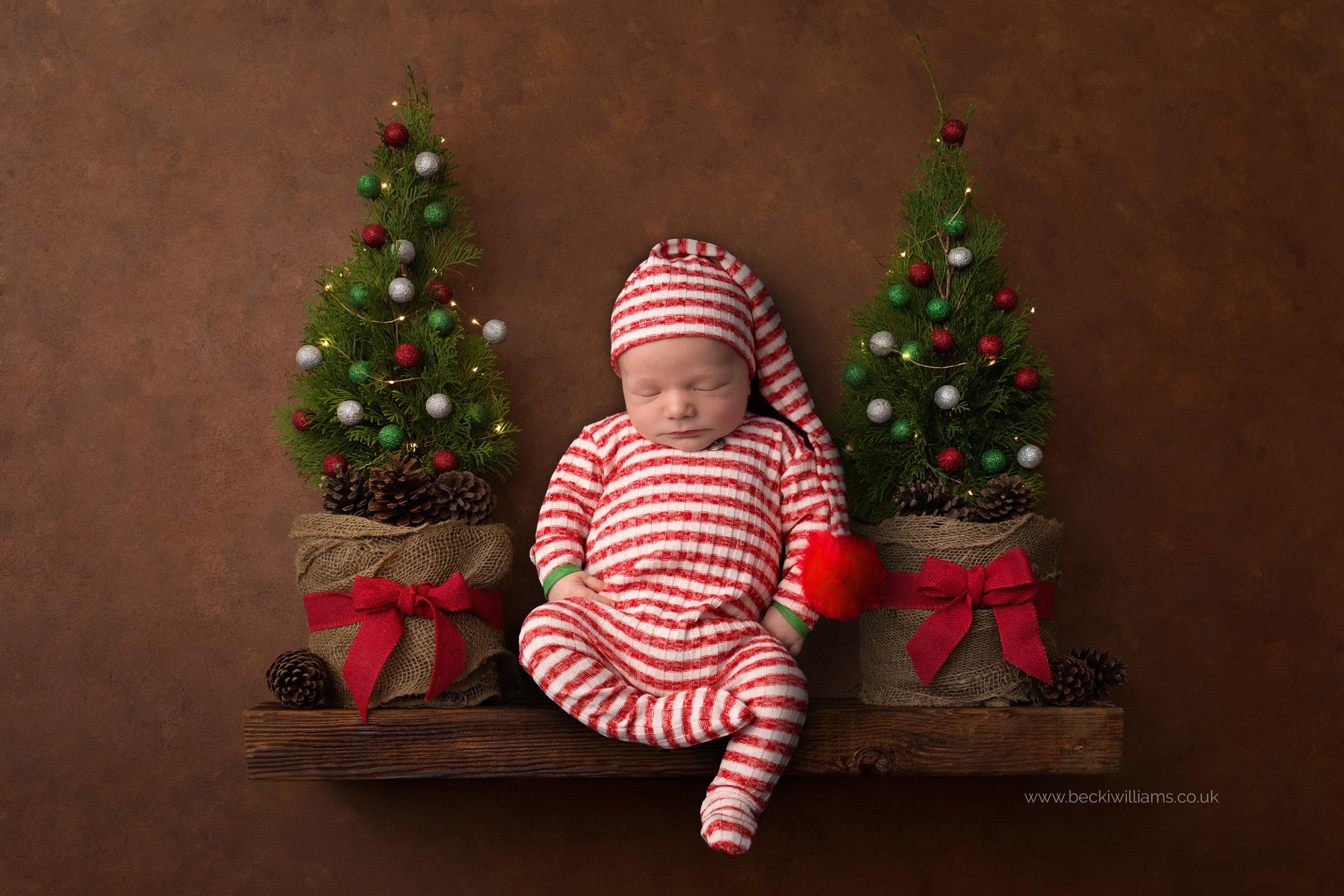 newborn-boy-portraits-hemel-hempstead-christmas-digital-background-elf.jpg