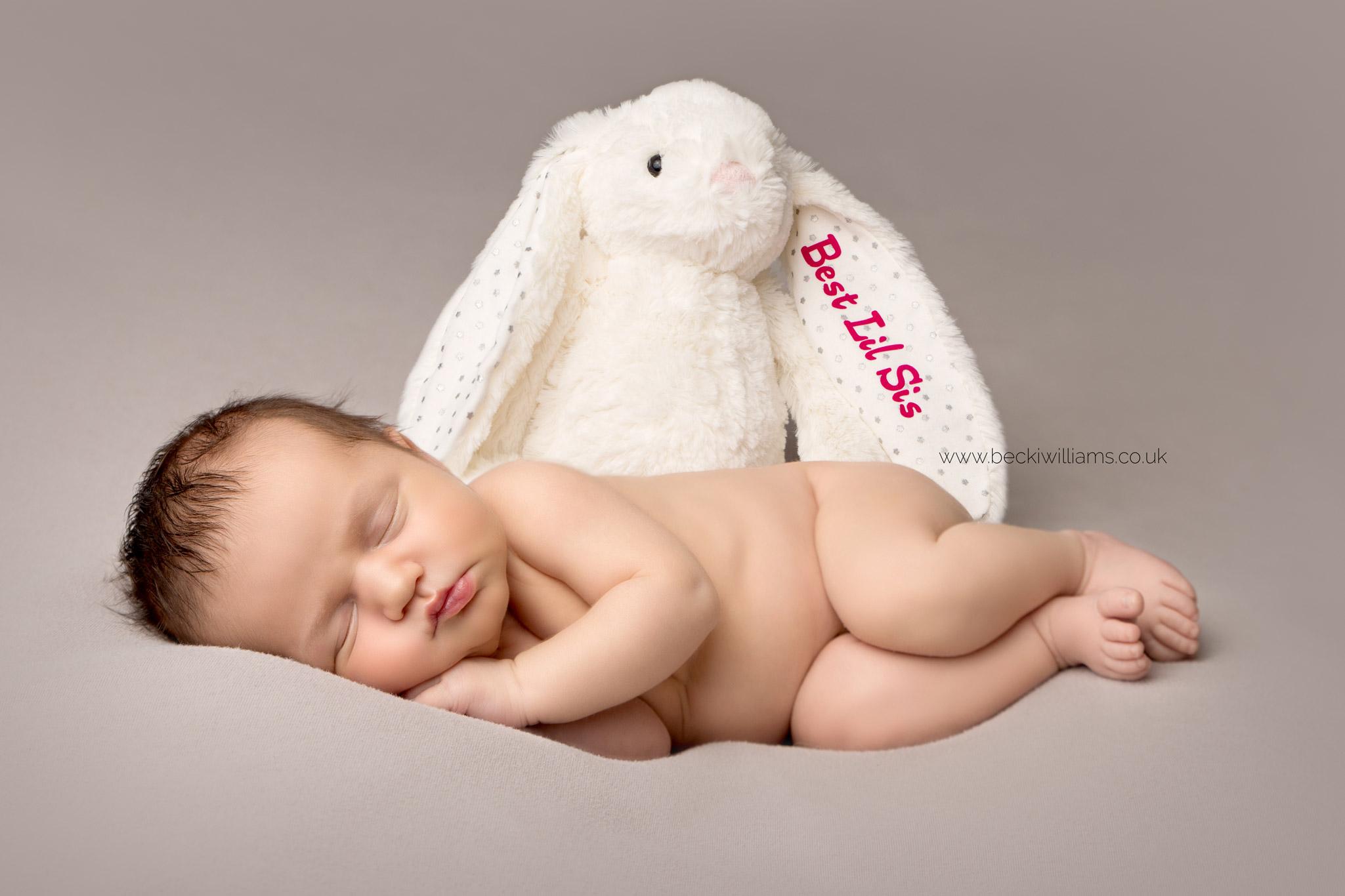 newborn-girl-portraits-hemel-hempstead-little-sister.jpg