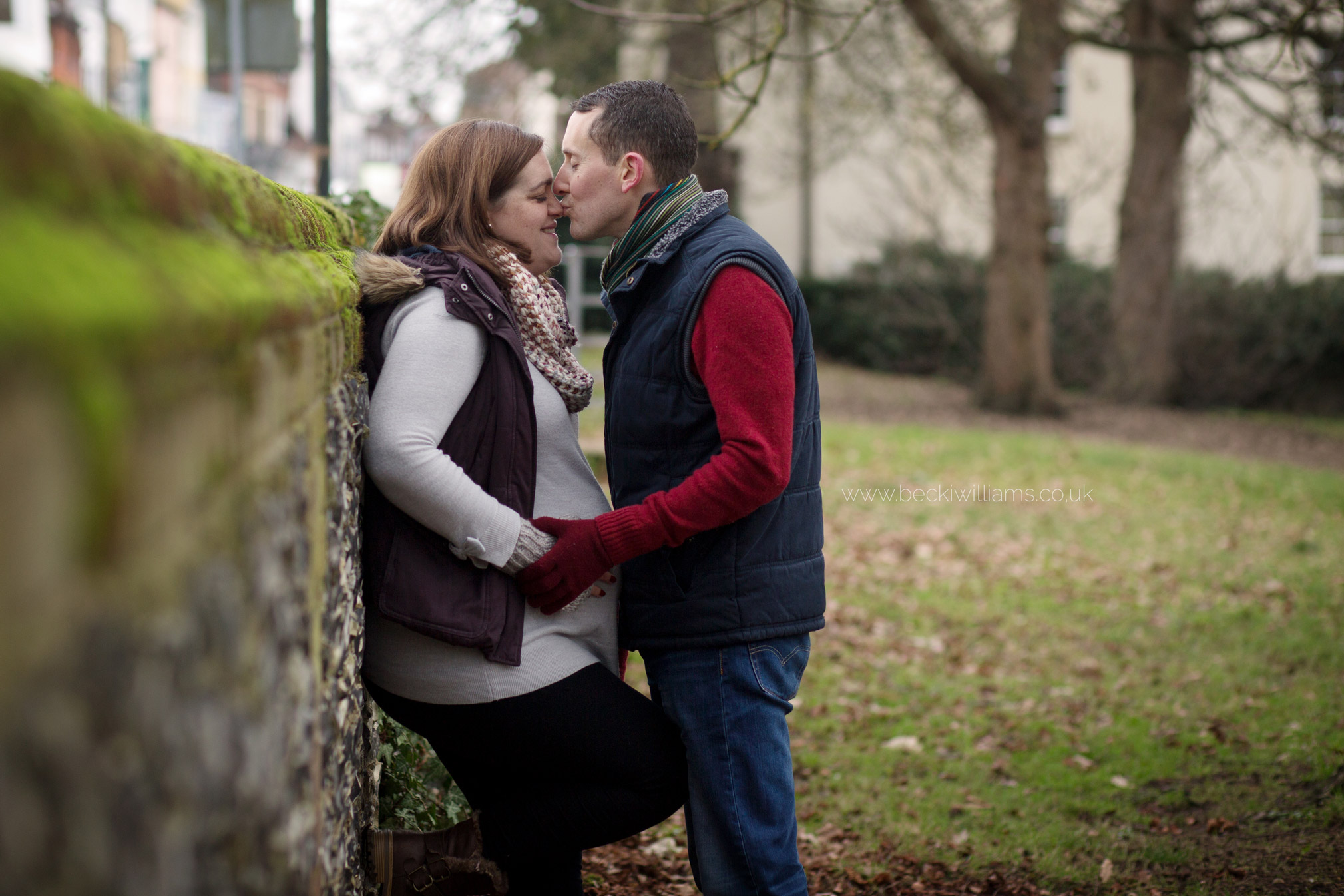 maternity-photo-shoot-hemel-hempstead-gadebridge-park-happy-couple.jpg