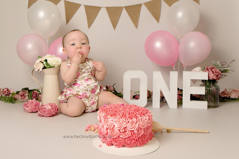 cake-smash-hemel-hempstead-pink-7.jpg