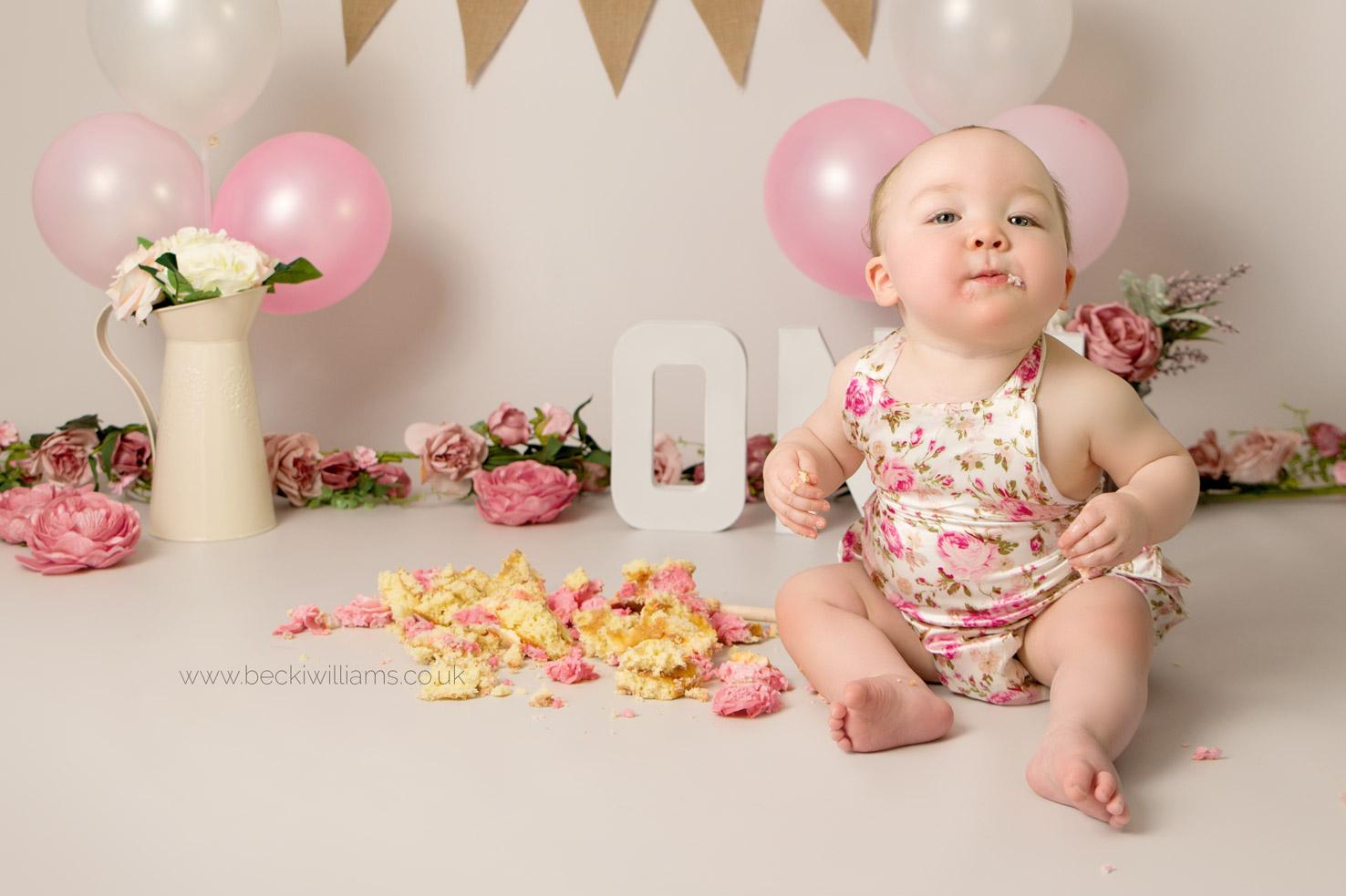 cake-smash-hemel-hempstead-pink-8.jpg