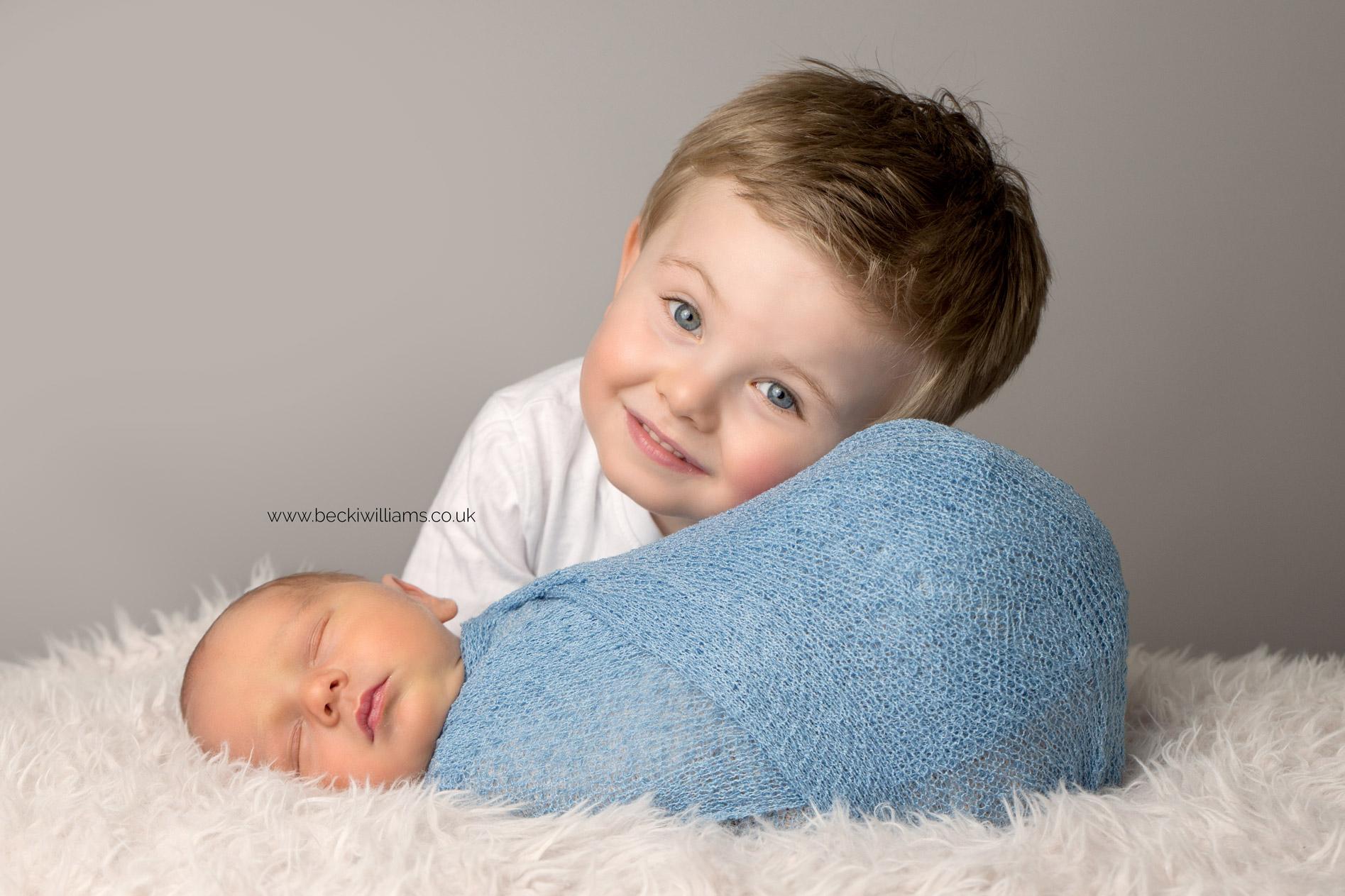 newborn-boy-portraits-hemel-hempstead-sibling-big-brother-blue-boy.jpg