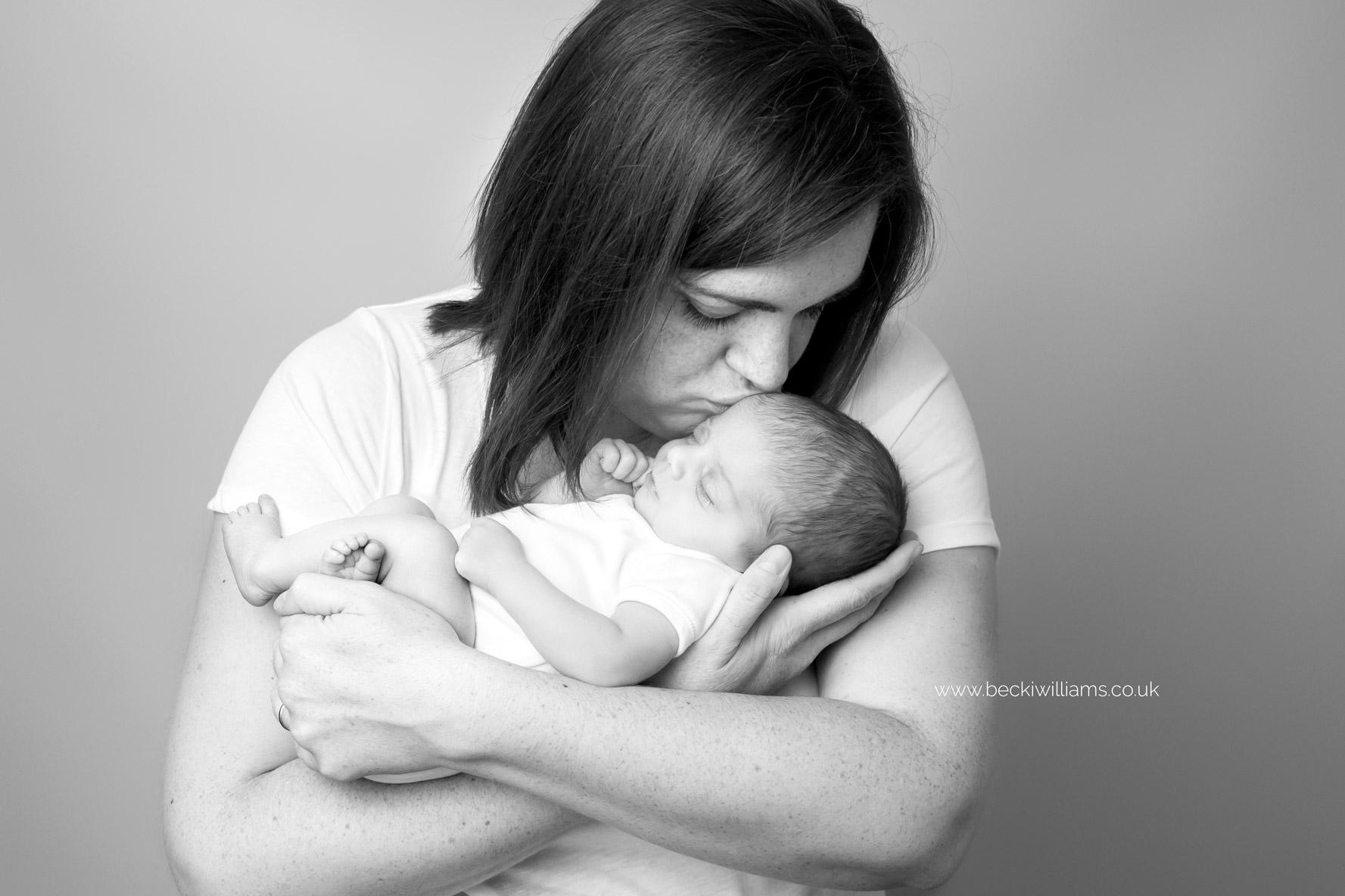 newborn-girl-portraits-hemel-hempstead-new-mum.jpg