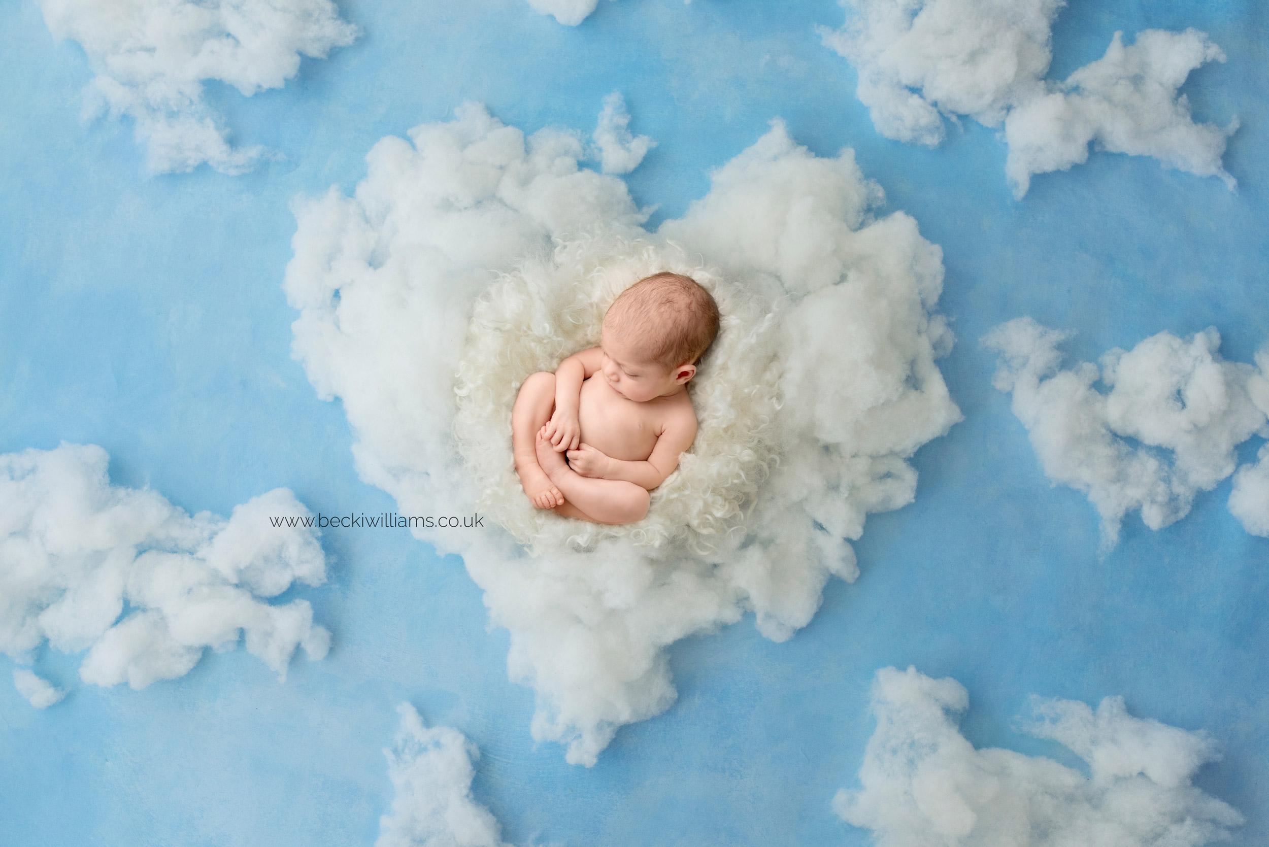 newborn-girl-portraits-hemel-hempstead-fluff-clouds.jpg