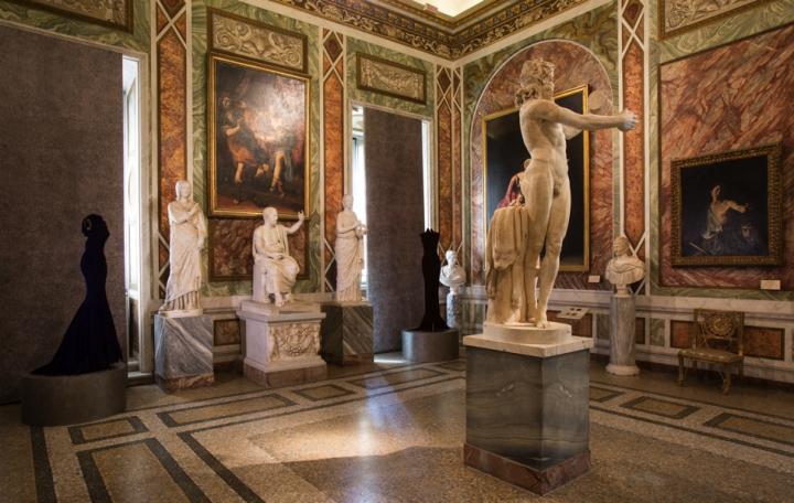 04_Azzedine-Alaia_Galleria-Borghese_Ilvio-Gallo_oggetto_editoriale_720x600.jpg