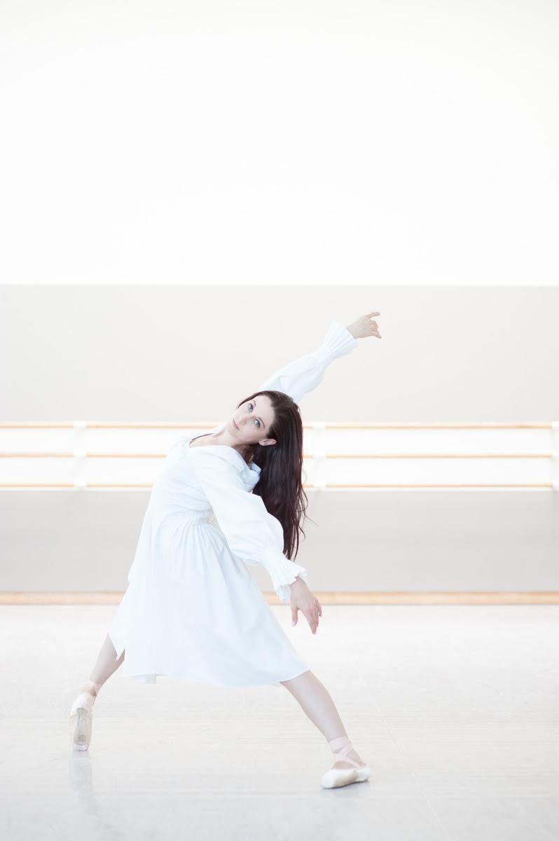 Vanessa Zahorian in Alexander McQueen dress. Photo by  Lauri Levenfeld .