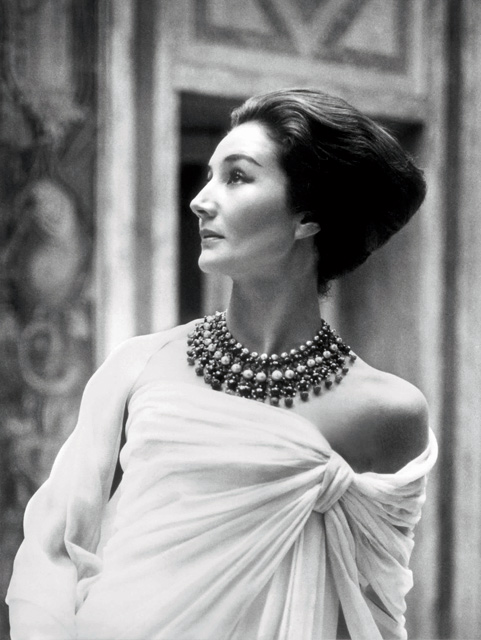 Jacqueline de Ribes in Christian Dior, 1959. Photograph by Roloff Beny, Roloff Beny Estate