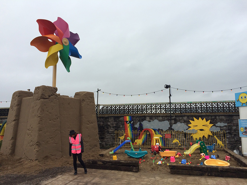 Street-Art-by-Banksy-and-other-artists-in-London-England-Dismaland-10.jpg