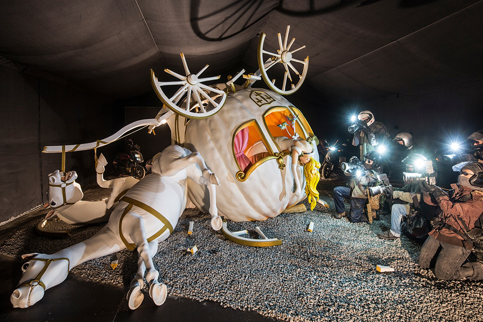 Street-Art-by-Banksy-and-other-artists-in-London-England-Dismaland-16.jpg
