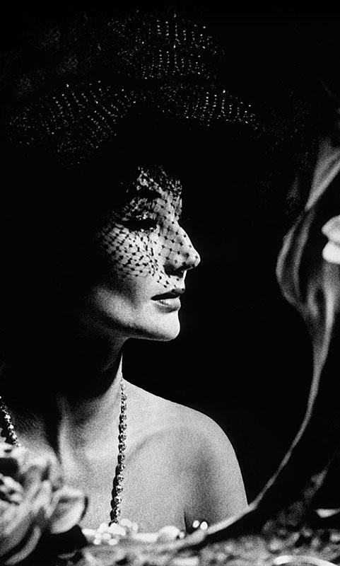 Jacqueline de Ribes, 1961. Photograph attributed to Raymundo de Larrain for The Metropolitan Museum of Art
