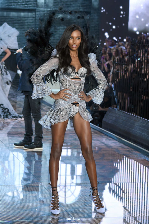 hbz-vs-runway-2015-gettyimages-496564786.jpg