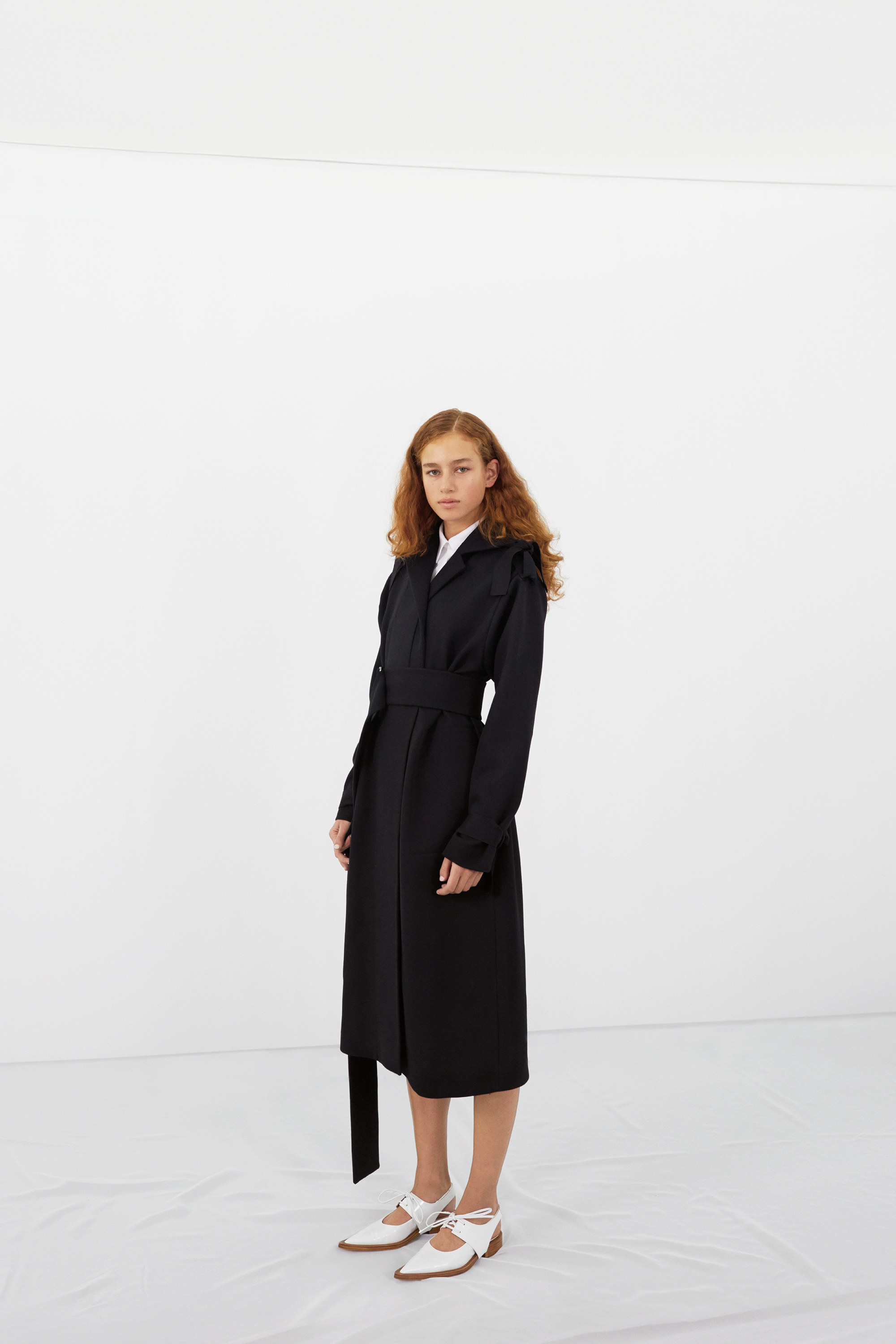 victoria-beckham-pre-fall-2016-lookbook-01.jpg