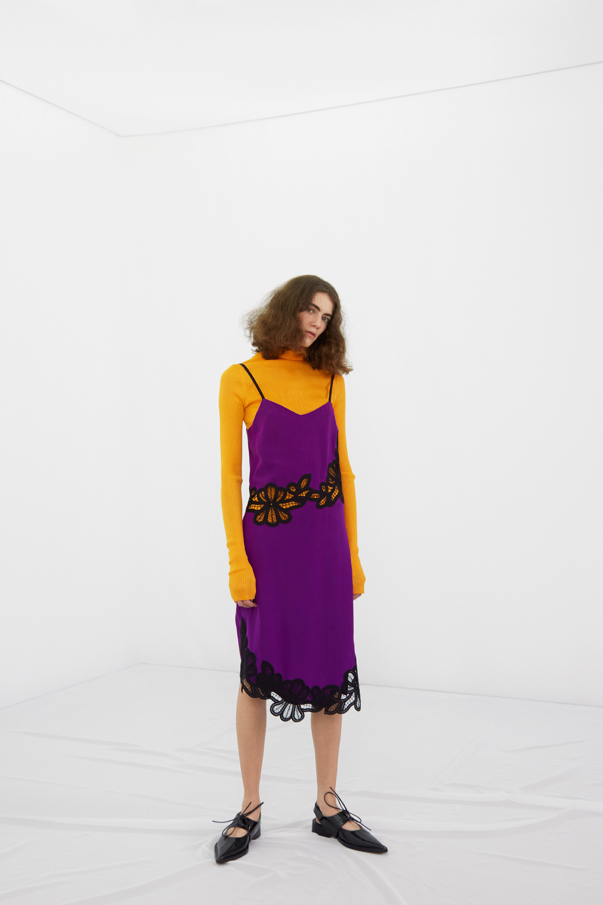 victoria-beckham-pre-fall-2016-lookbook-04.jpg