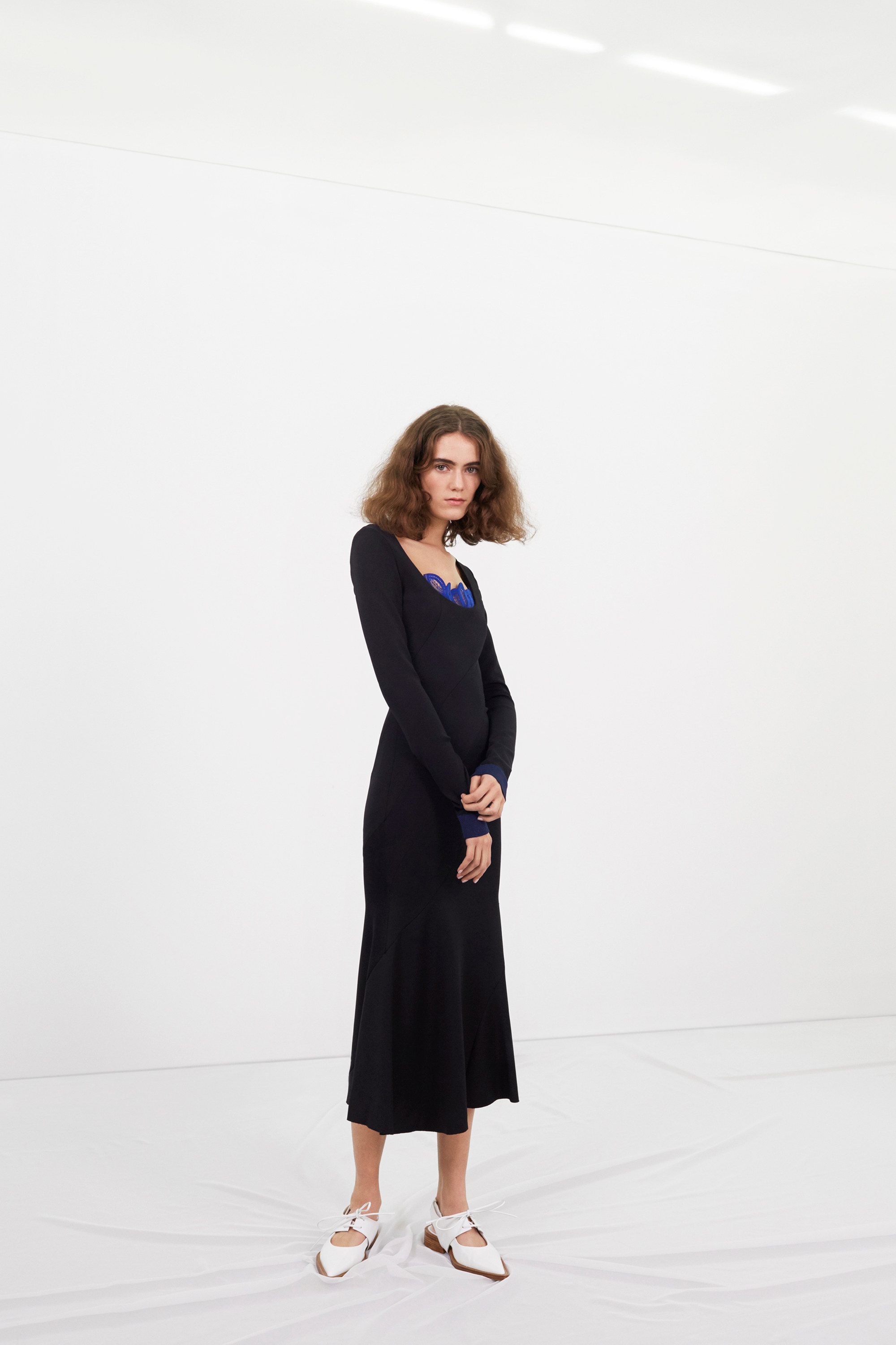 victoria-beckham-pre-fall-2016-lookbook-06.jpg