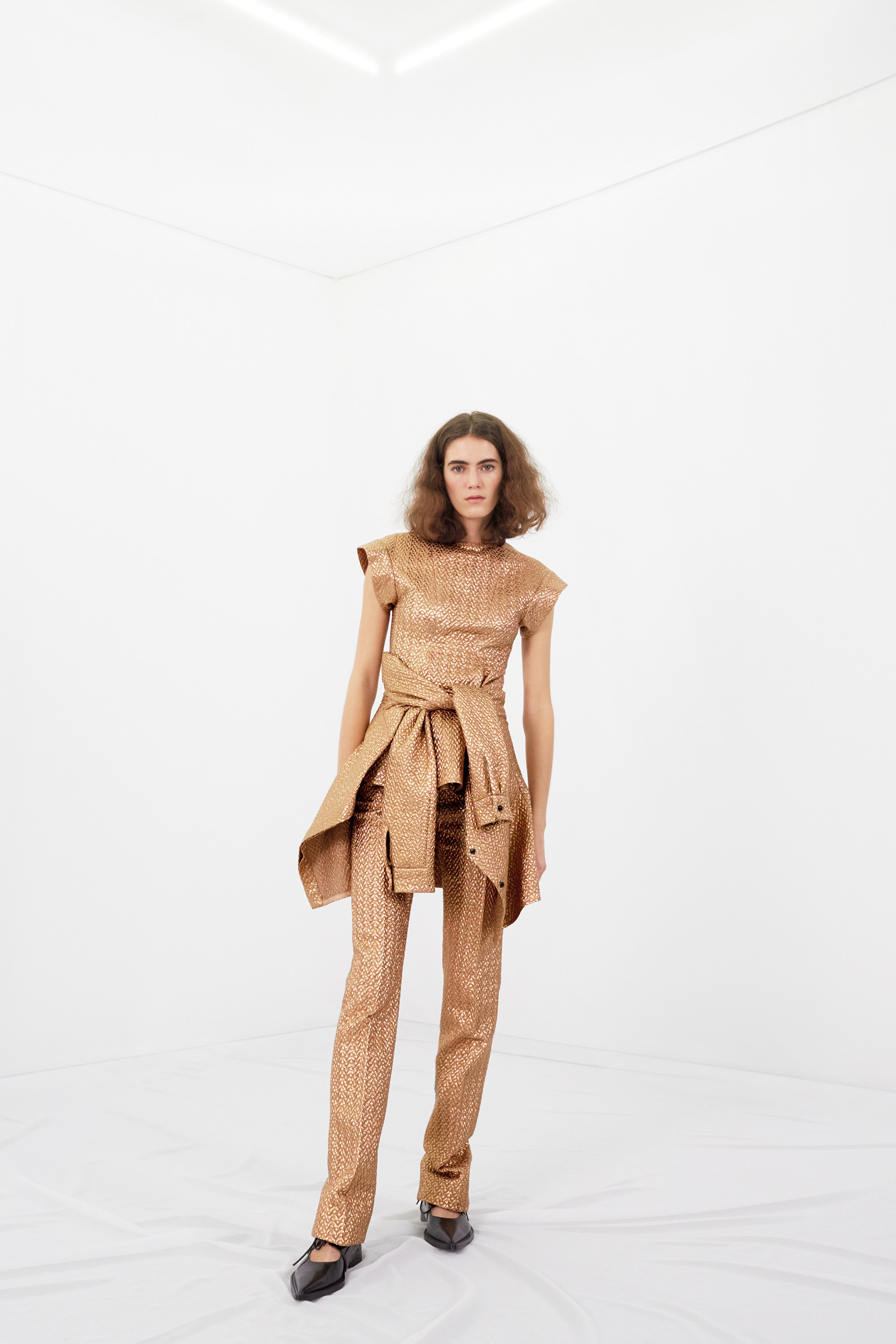 victoria-beckham-pre-fall-2016-lookbook-16.jpg