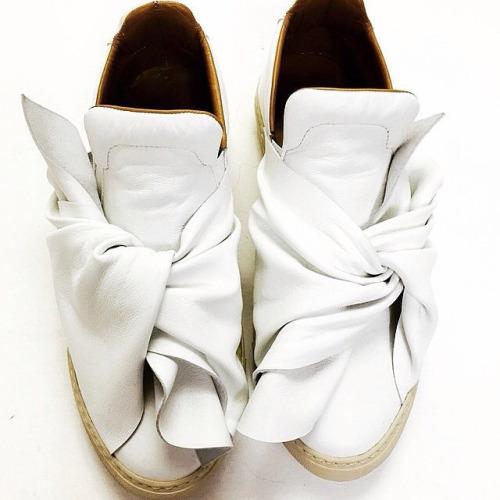 SHOP Ports 1961 white bow sneaker