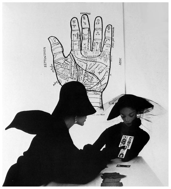 """""""The Tarot Reader"""" Jean Patchett & Bridget Tichenor Photo Irving Penn"""