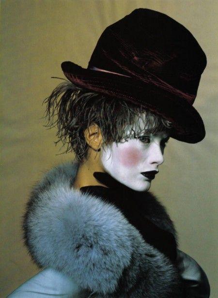 Irving Penn, Carolyn Murphy, Vogue US, Juin 1997