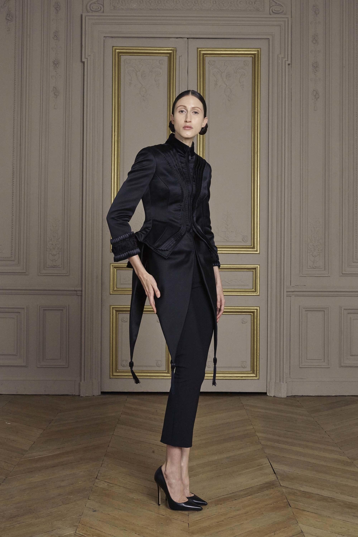 01-giles-deacon-couture.jpg