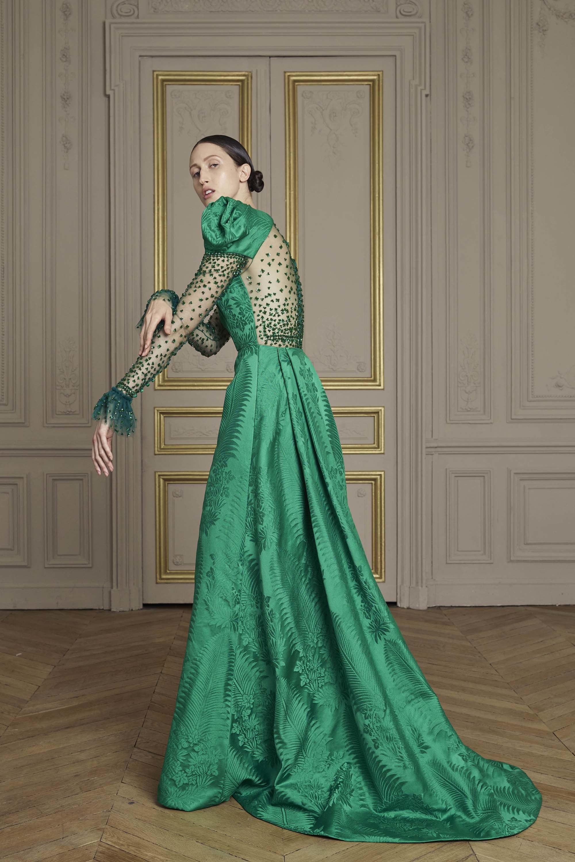 02-giles-deacon-couture.jpg