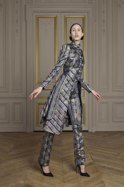 05-giles-deacon-couture.jpg