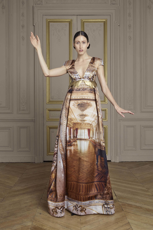 10-giles-deacon-couture.jpg